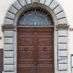 door-983801_1280